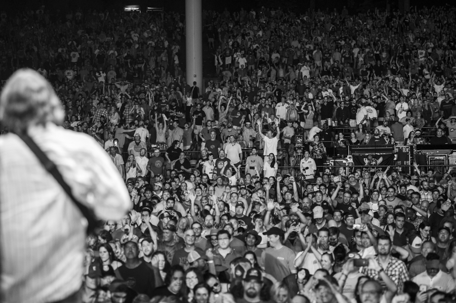 JB and crowd