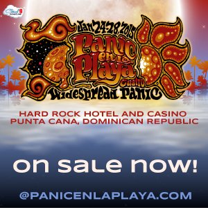 Panic en la Playa On Sale Now